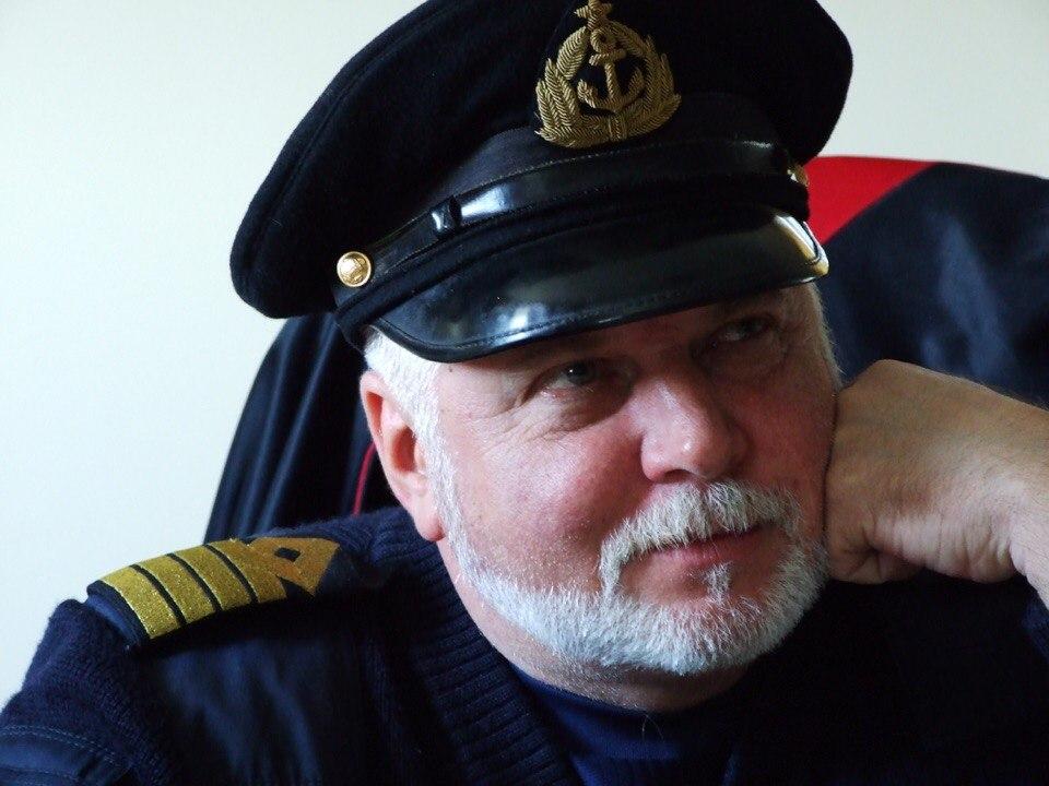 телефоны фото морской формы капитана дальнего плавания пока научим наших