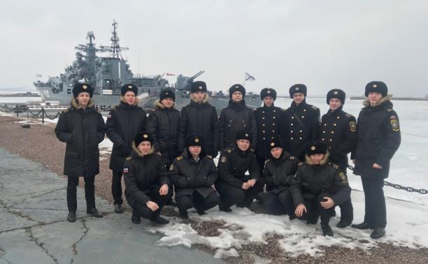 Курсанты – судомеханики в Кронштадте