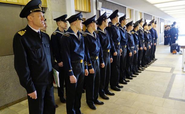 На Общеинженерном факультете Института «Морская академия» состоялось торжественно-траурное мероприятие, посвященное 115-й годовщине со дня гибели адмирала Степана Осиповича Макарова.