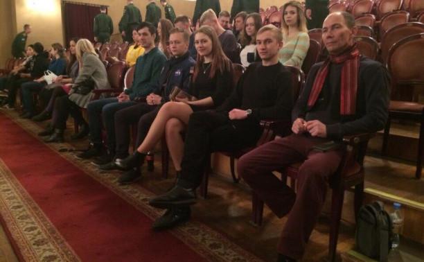 Курсанты Общеинженерного факультета – в театре имени Ленсовета