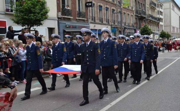 Парусник «Мир»: День России во Франции