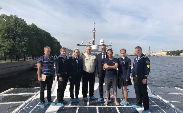 Экскурсия на инновационное судно