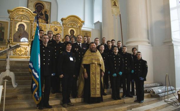 Макаровка встретила парусник «Мир» традиционными ритуалами